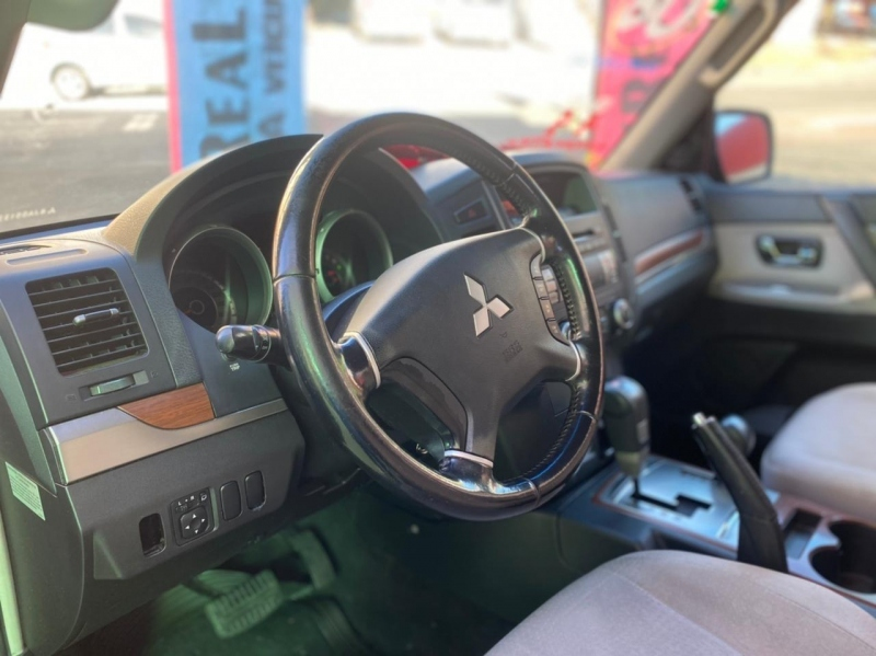 MITSUBISHI PAJERO FULL 3.8 GLS 4X4 V6 24V GASOLINA 4P AUTOMATICO