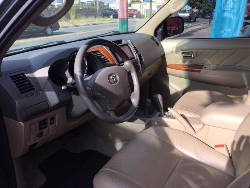 TOYOTA HILUX SW4 4.0 SRV 4X4 V6 24V GASOLINA 4P AUTOMATICO