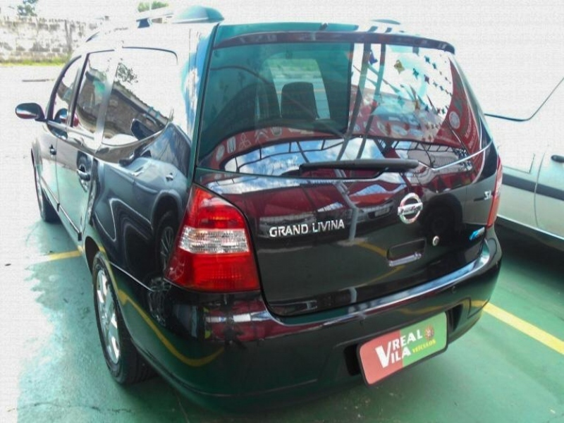 NISSAN GRAND LIVINA 1.8 SL 16V FLEX 4P MANUAL