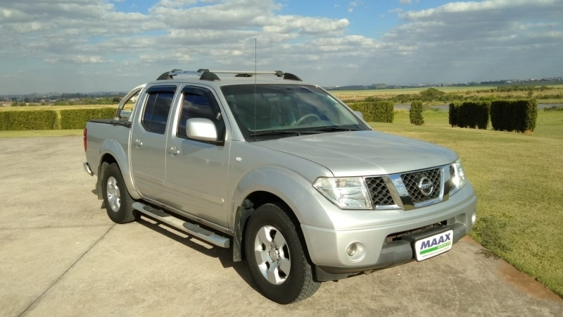 NISSAN FRONTIER 2.5 SE 4X2 CD TURBO ELETRONIC DIESEL 4P MANUAL