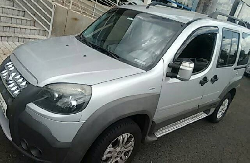 FIAT DOBLO 1.8 MPI ADVENTURE LOCKER 8V FLEX 4P MANUAL