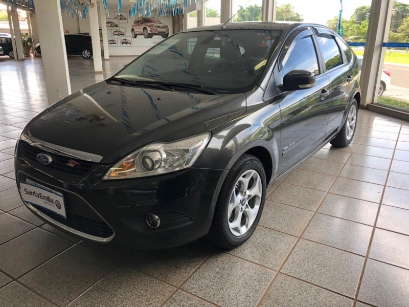 FORD FOCUS 2.0 TITANIUM HATCH 16V FLEX 4P MANUAL