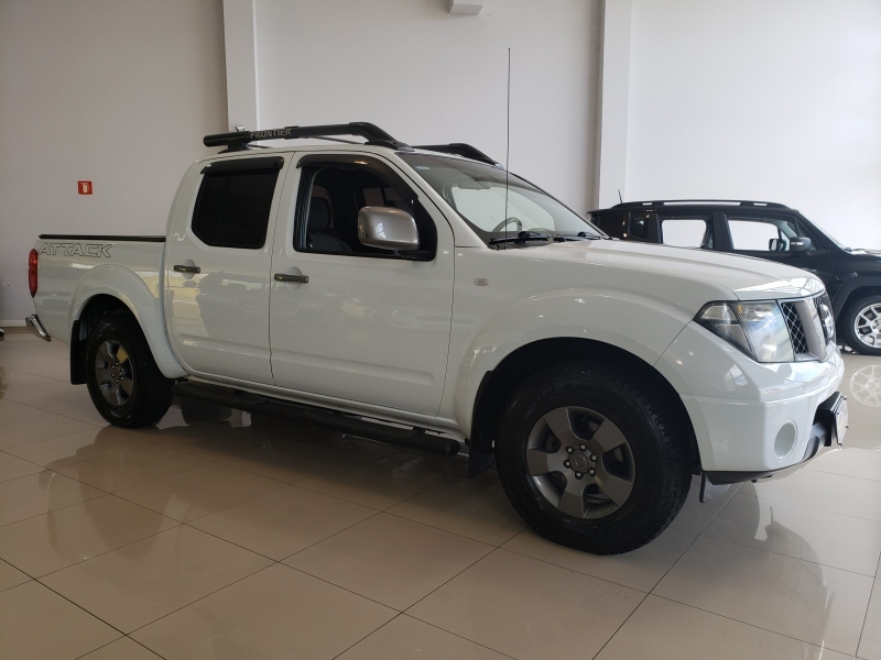 NISSAN FRONTIER 2.5 SE ATTACK 4X4 CD TURBO ELETRONIC DIESEL 4P MANUAL