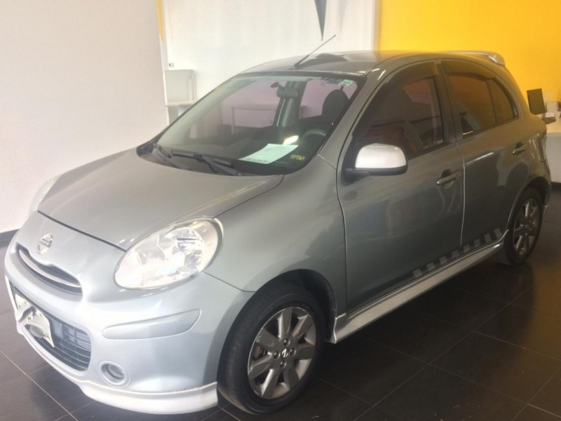 NISSAN MARCH 1.6 SR 16V FLEX 4P MANUAL