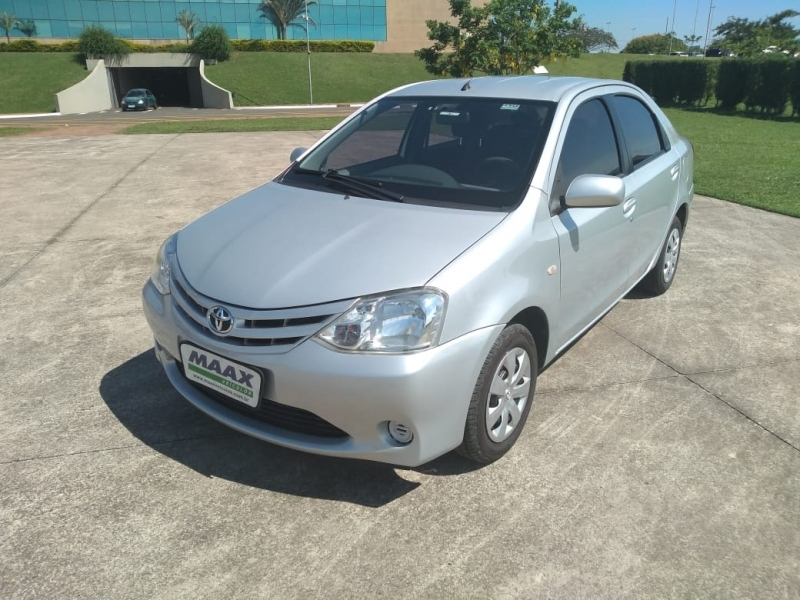 TOYOTA ETIOS SEDAN X 1.5 16V(FLEX)