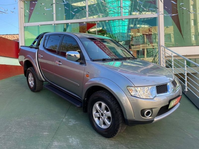 MITSUBISHI L200 TRITON  3.2 HPE 4X4 CD 16V TURBO INTERCOOLER DIESEL 4P MANUAL