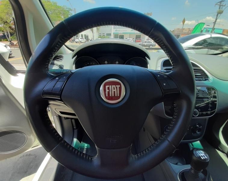 FIAT PUNTO 1.6 ESSENCE SP 16V FLEX 4P MANUAL