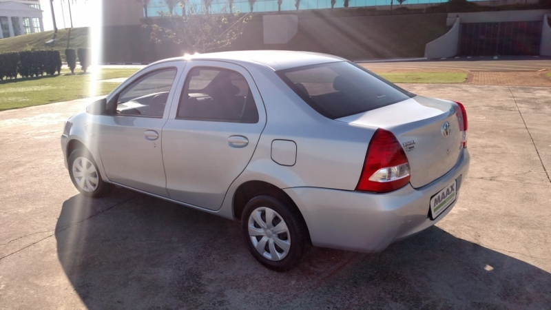 TOYOTA ETIOS SEDAN X 1.5 16V FLEX