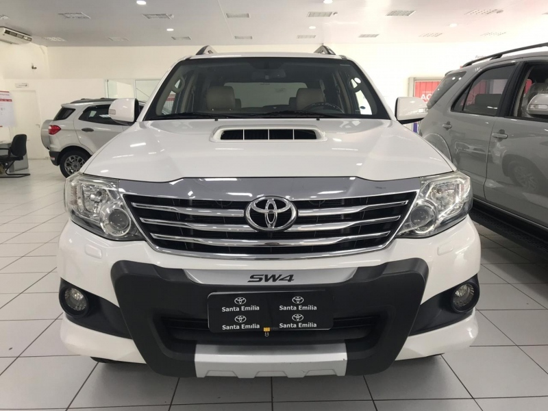 TOYOTA HILUX SW4 3.0 SRV 4X4 16V TURBO INTERCOOLER DIESEL 4P AUTOMATICO