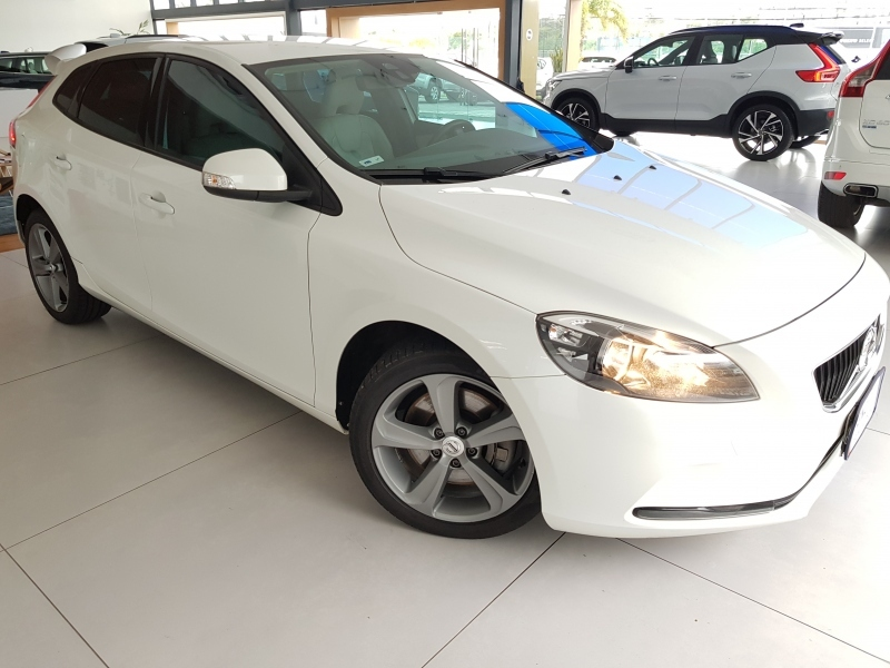 V40 2.0 T4 KINETIC GASOLINA 4P AUTOMATICO