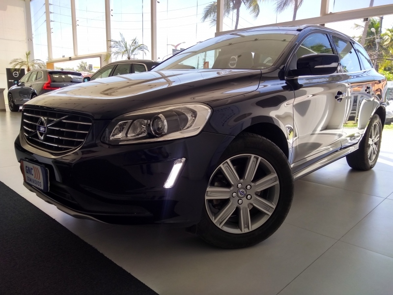VOLVO XC60 2.4 D5 KINETIC DIESEL AWD 4P AUTOMATICO