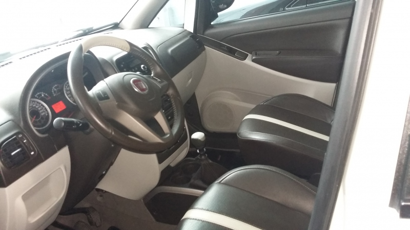 FIAT IDEA 1.6 MPI ESSENCE 16V FLEX 4P MANUAL
